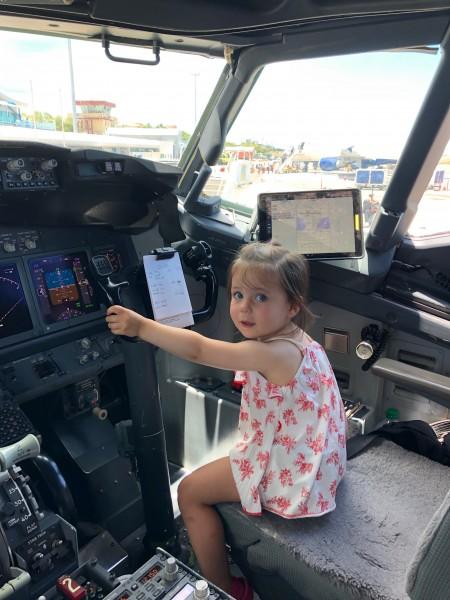 Margot Flying!