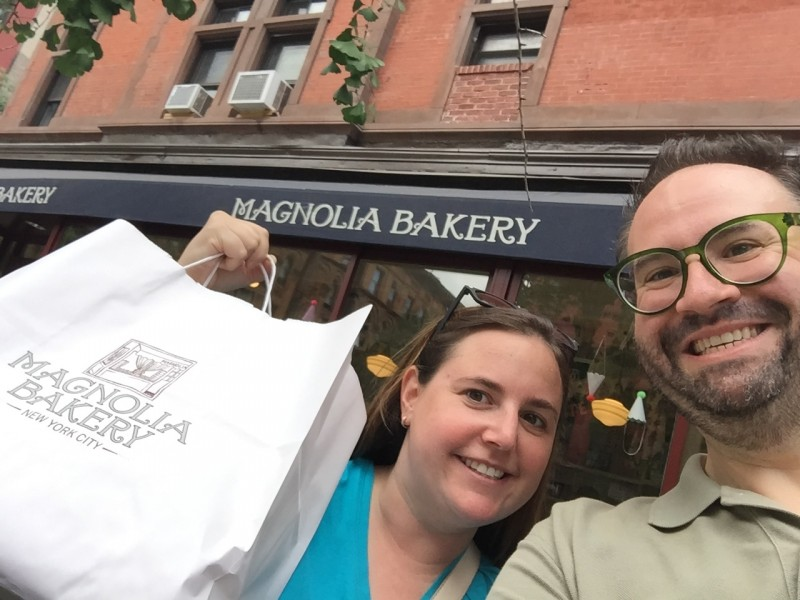 Jeremy's Sister Abbey visiting and hitting a NYC delicacy, Magnolia Bakery