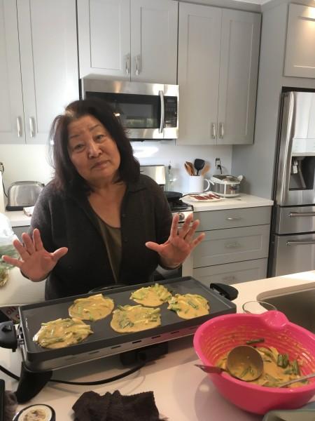 For Xmas breakfast, K's mom made Korean scallion pancakes. Yummy!