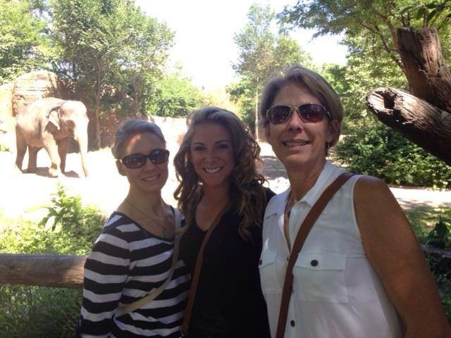 Jess with her sister and mom at the zoo