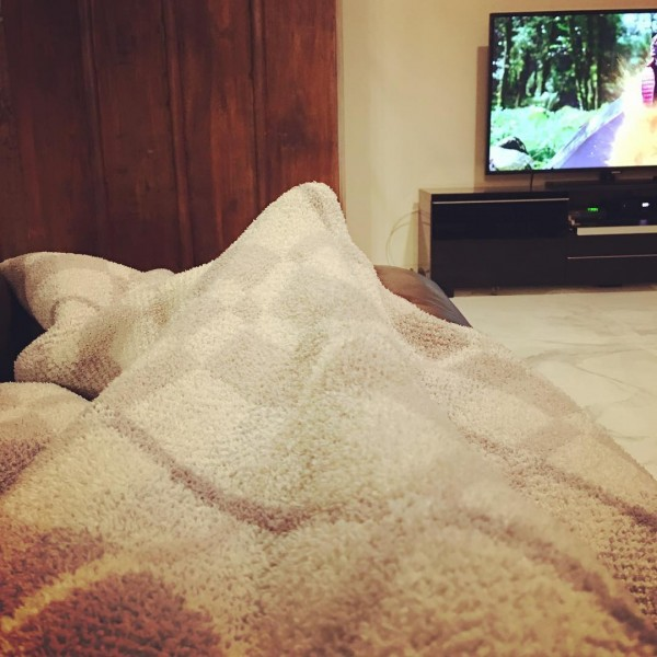 After a flight redirected due to bad weather, a 4 hour drive through rain and fog, and a washed-out road, it feels so gooooood to be lying under a blanket watching TV with my mom at her winter house in Palm Springs!