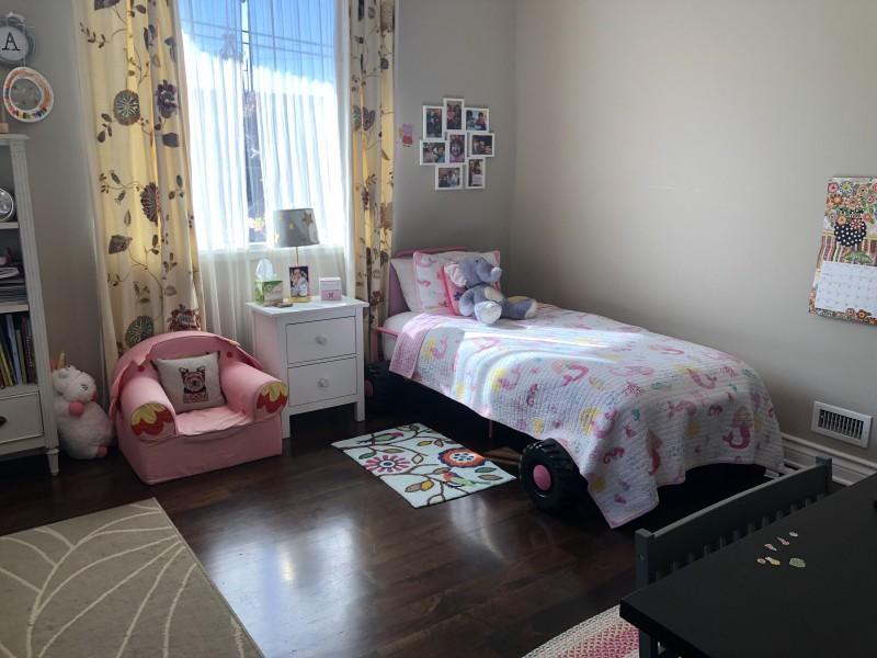 Luna bedroom is a mermaid theme