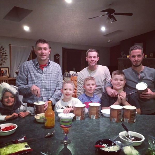 Ice cream with Dan'a brothers and our nephews!