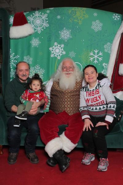 Take a family Christmas photo