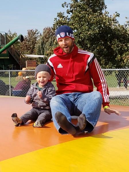 Family trip to Pumpkin Farm_giant inflatable