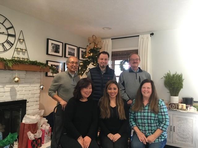 Daisy, Eric and their parents on Christmas (2019)