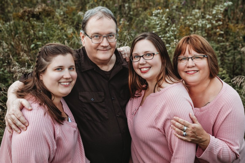 Annie and her immediate family - father Tom, mother Paula, and sister Katie