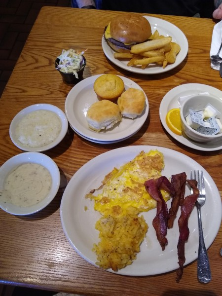 lunch at cracker barrel