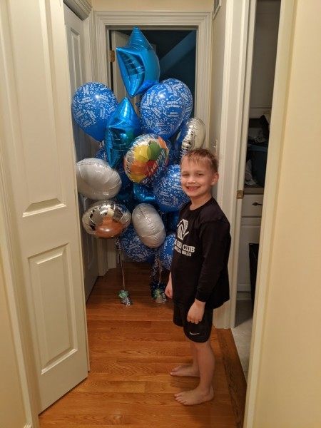 Surprising daddy with balloons
