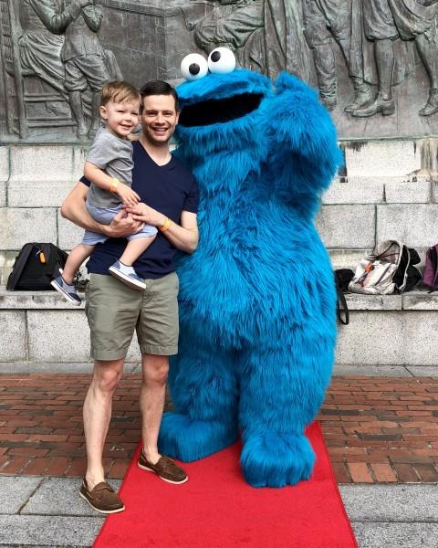 Meeting Cookie Monster! Nom, nom, nom.