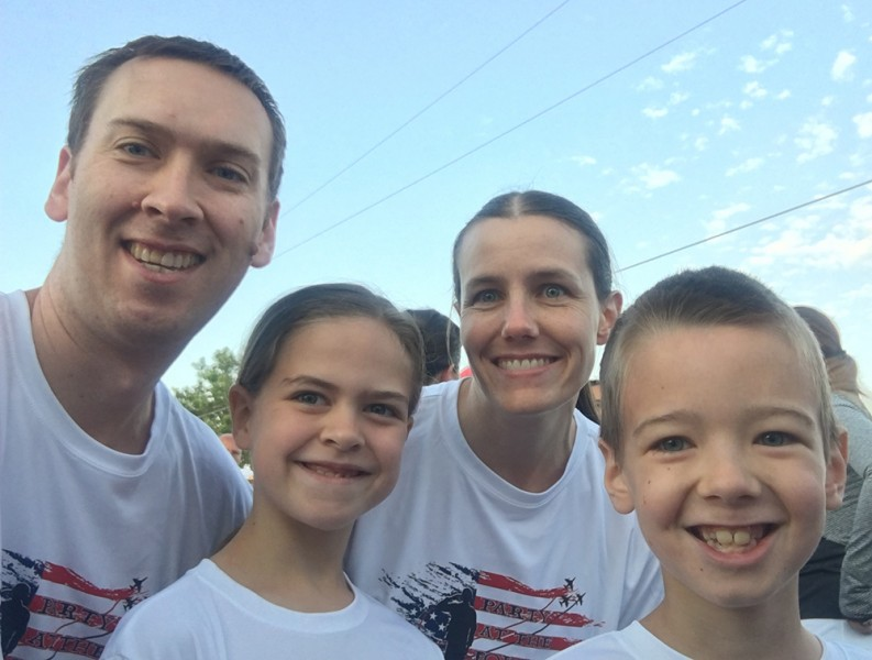 Starting off Indpendence Day with a run gets our hearts beating true! Our kids wanted to run the city 5K, so we ran along with them.