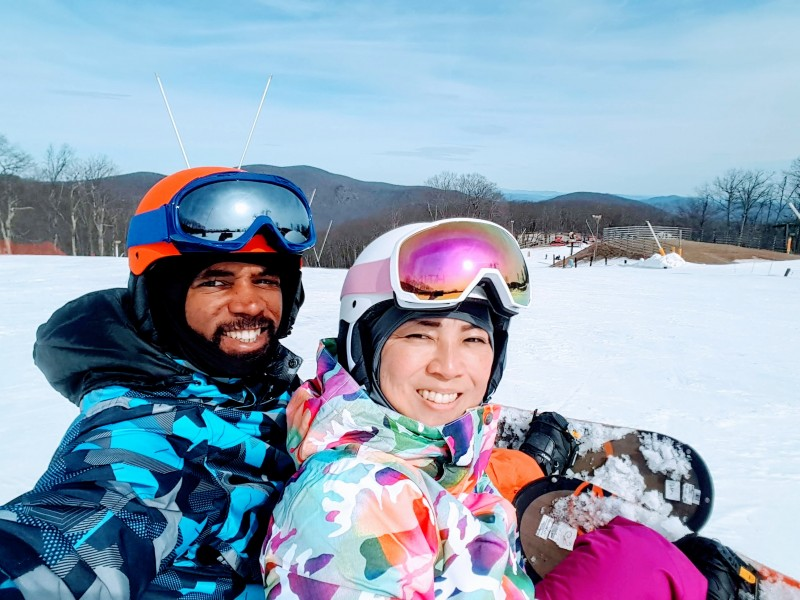 RAyano snowboarding