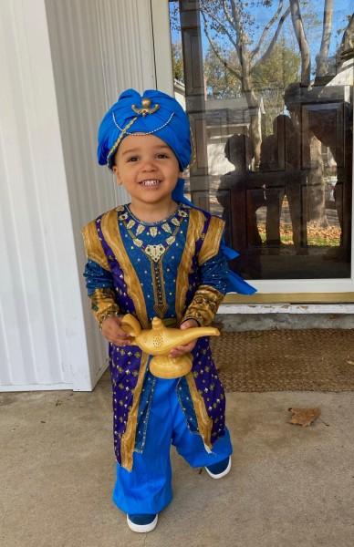 I'm a genie for Halloween!
