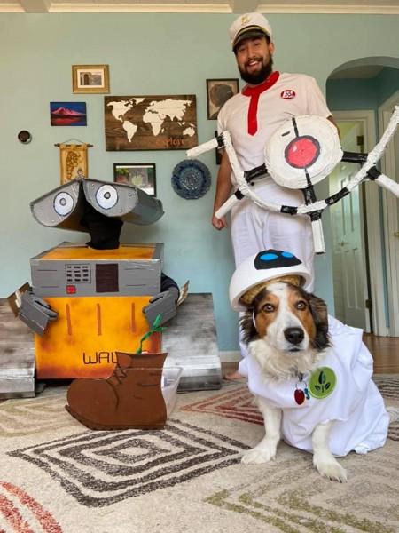 Halloween costumes- Brittni is Wall-E