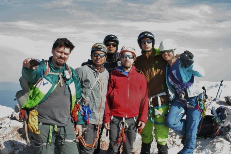 Ewerton and his climbing team