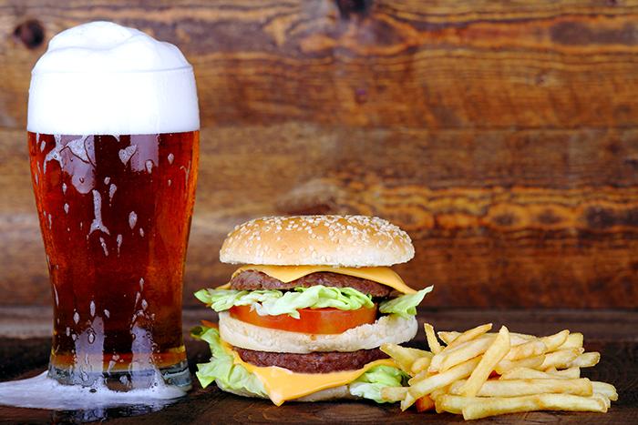 Evento promove a experiência da harmonização de cervejas artesanais com hambúrgueres