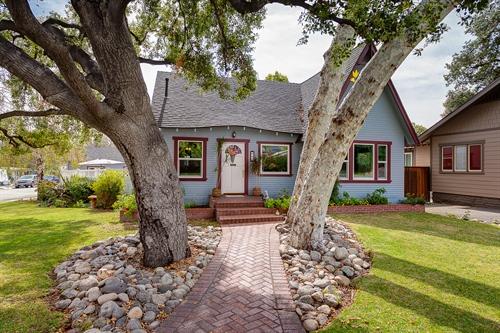 832 E. Greystone Ave,  Monrovia, CA 91016