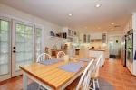 Kitchen wbreakfast area