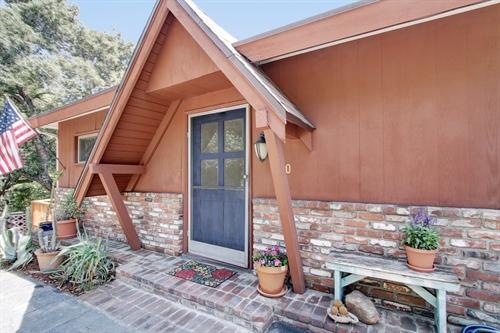 190 Vista Circle Drive,  Sierra Madre, CA 91024