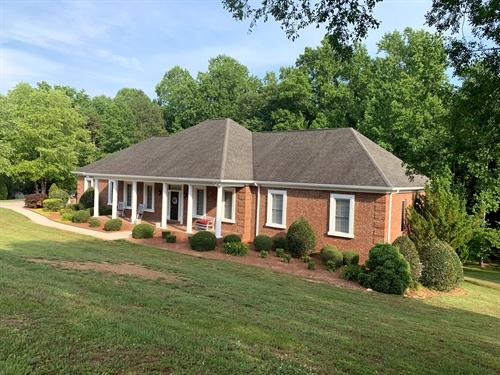 4593 Montclair Circle,  Gainesville, GA 30506