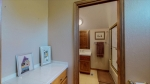 33 - Bathroom 3.jpg