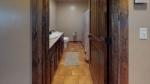 B7Rfw2f8g7w-Bathroom