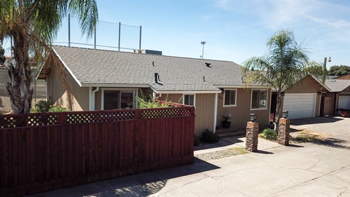 350 Hinkley,  Oakdale, CA 95361
