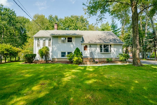 168 Horseneck Road,  Fairfield, NJ 07004