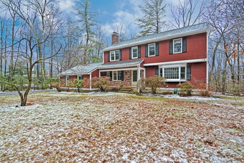 9 Garrison Lane,  Southborough, MA 01772