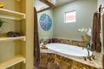 Master Bathroom w Spacious Soaking Tub