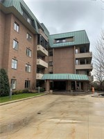 5150 Three Village Dr #Unit: 2K,  Lyndhurst, OH 44124