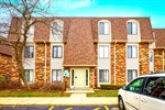 219 W. Court of Shorewood Unit 3A,  Vernon HIlls, IL 60061