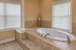 Showpiece soaking tub is fit for royalty!