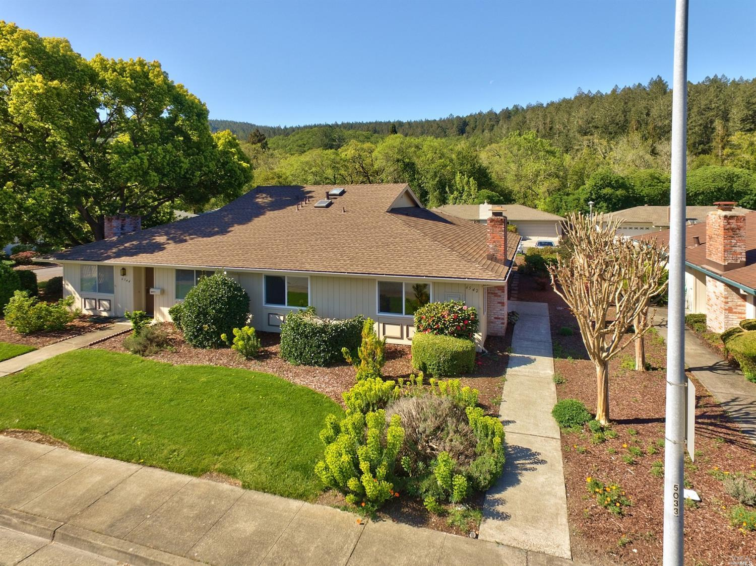 6542 Stone Bridge Road,  Santa Rosa, CA 95409