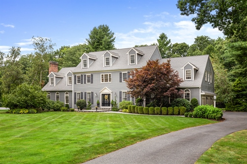 21 Presidential Drive,  Southborough, MA 01772