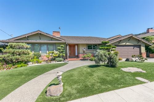 2244 Lakeview Drive,  San Leandro, CA 94577