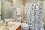 Private bathroom in bedroom 2