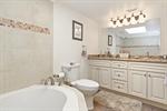 Master- Suite Bath wJacuzzi Tub