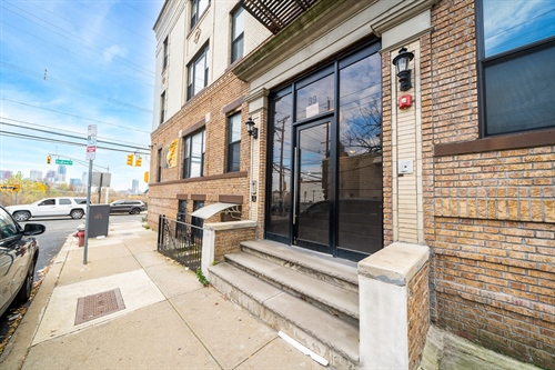 39 NEWKIRK AVE #3A,  JC, Journal Square, NJ 07306