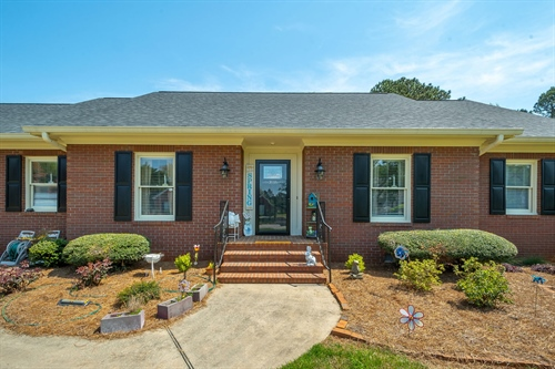 3648 Maple Forge Lane,  Gainesville, GA 30504