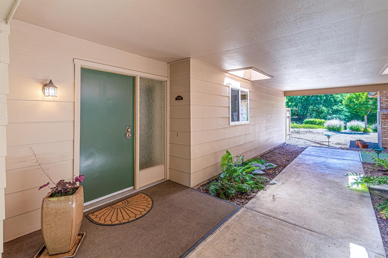 6496 Meadowridge Drive,  Santa Rosa, CA 95409