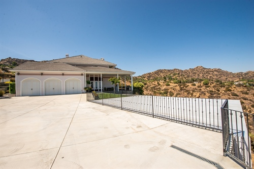 24045 Woolsey Canyon Rd,  West Hills, CA 91304