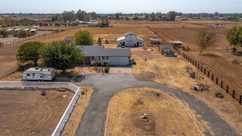 13900 E. Harney,  Lodi, CA 95340