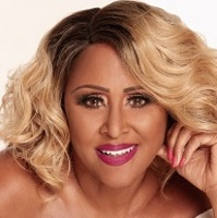 Darlene love headshot sq