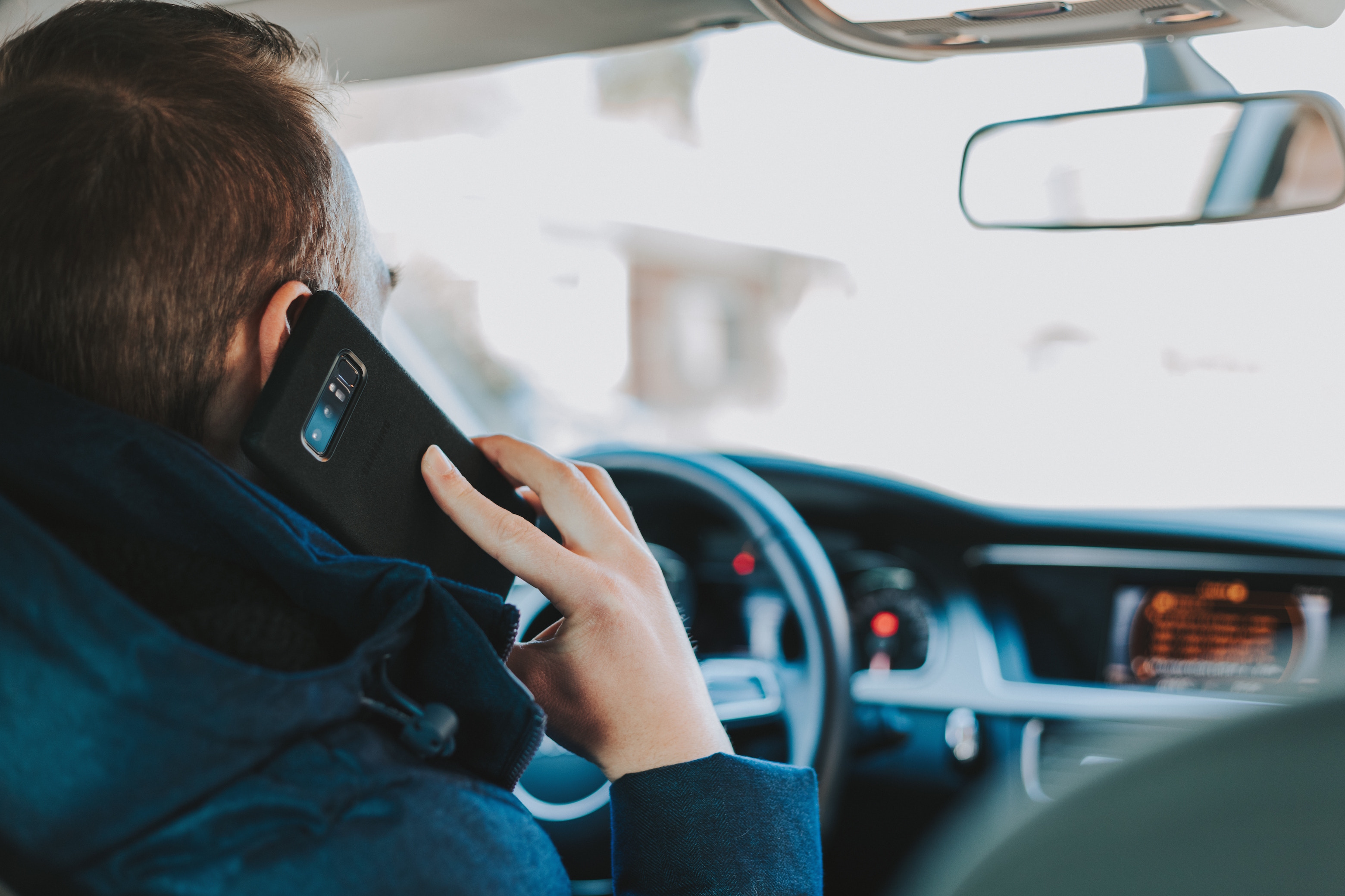 7-Easy-Ways-to-Deter-Distracted-Driving
