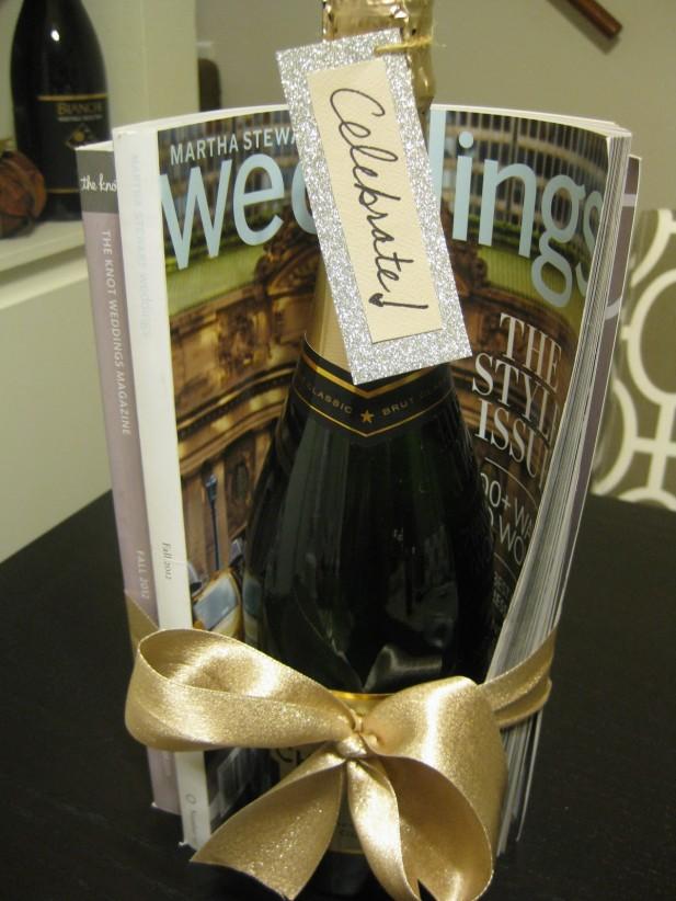 Engagment gift ideas & 8 Sweet Engagement Gift Ideas - My Hotel Wedding