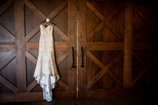 Classy Winter Wedding At The Inn At Leola Village Pa My