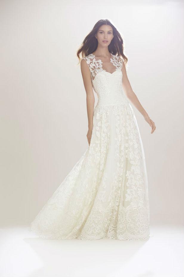 6a2048c0f40 Carolina Herrera New York Fall 2016 Wedding Dresses