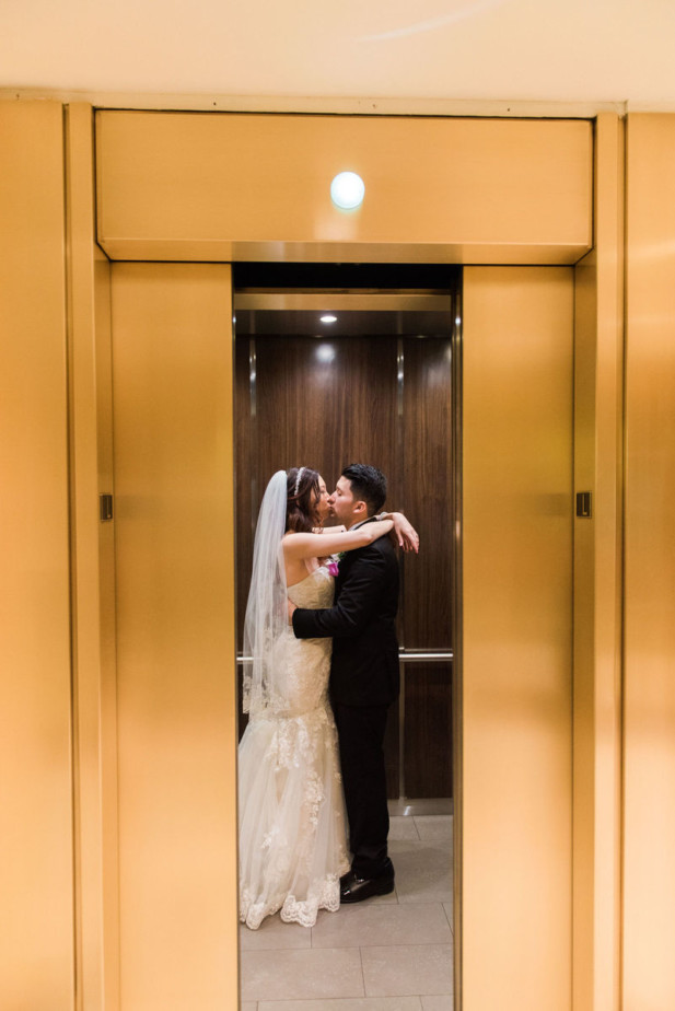 downtown-los-angeles-wedding-at-the-doubletree-by-hilton-08