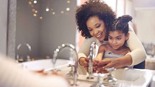 4 Key Tips To Remove Grime And Gunk From Sink Faucets